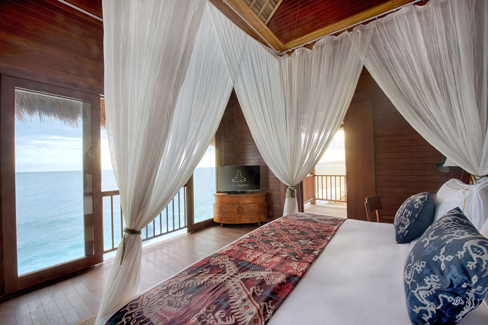 Lelewatu Sumba - One Bedroom Ocean View Honeymoon Villa